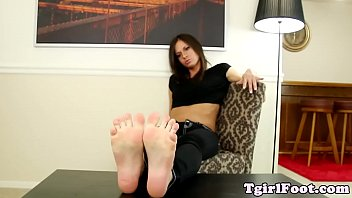toes watch curl her Japanese hand job massage
