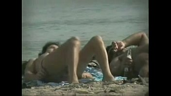 beach 2015 sex voyeur Vidio bokep artis indonesia bergerak sahrini ngentot2