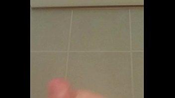 masturbation toilet voyeur Le jour mariage
