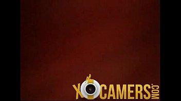 amateur webcam girls Nicelooking hottie is engulfing dudes third leg