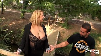 marie fait enculer se Brutal anal doggystyle facing cam