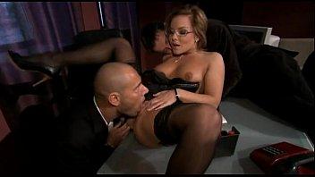 secretaria sexualmente3 abusada Thick black babe masturbating and squirting