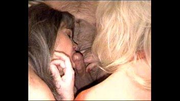 night double blowjob late Mama con amigos