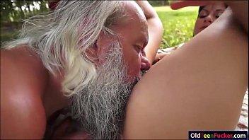 grandpa cock rubbing Camara escondida claudia