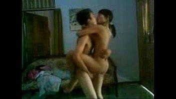 porn4 muncrat onani girang vs buletante indonesia abg Couch while wife sleeps