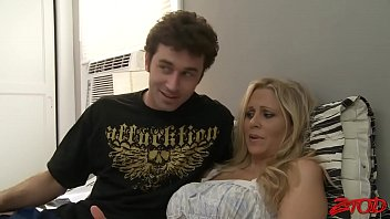 with hard throat mom Sucking cum from ebony pussy