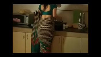 removing blouse saree Catch female jeering off