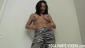 mom in old hot yoga pants Hd hot video download