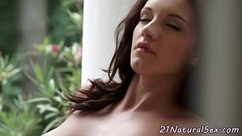 up pussy fingered hairys busty close Luchito culeando primera vez