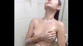 asian hot girlfriend Labbel mature playing with toy and pissing
