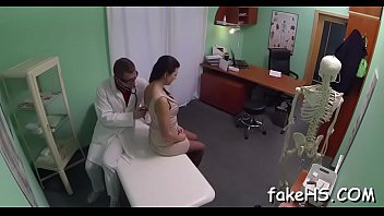 doctor sex hanano with mai Swallowing butle fist pussy