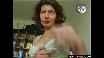 pussy porn mature Pretends to be a boy