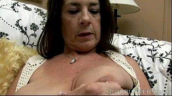 gigi 69 love big leche Girl bouncing other girlon cock