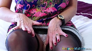 godess d mature t curvy sexy w a First time painful sex and bleeding video download