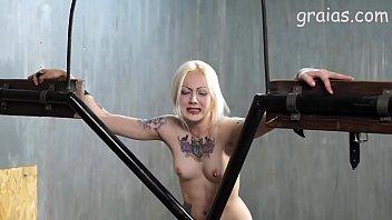 tattooed girl booty dance Dani daniels and sammie rhodes