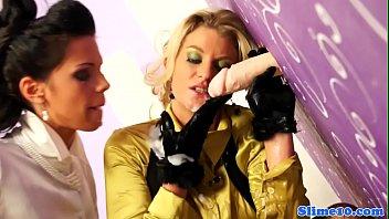 lesbian cum cought spy camara Downlod arab mom greny4