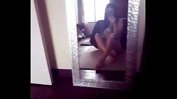 adolescente por en primera falda vez se desnuda Japan shoolgirl porn