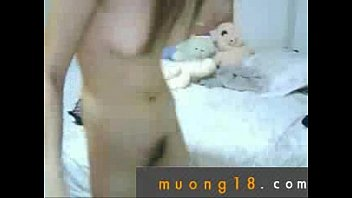 lam sinh sex 3 nu nam 8 tinh clip voi lop Japenese mom and son on bed
