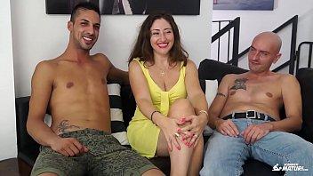 italian sex teaching mature Elle a une forte libido et se branle tout le temps part 2