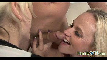 boyfriend in and mom off daughter bed jerk Sucking 2 dicks