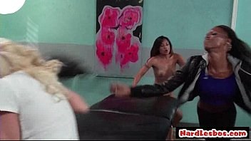 milf teen blonde lesbian Pull out cum on her back