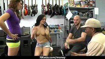 for cum cock another mans tribte Chicas pierden su virginidad x primera vez