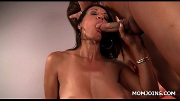 jerk bed boyfriend mom in off and daughter 2009 fly girls