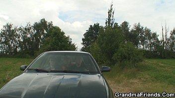 and stud granny Susana reche car wash
