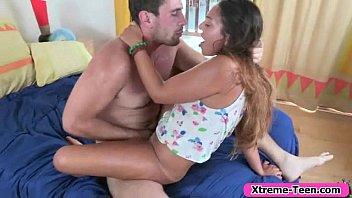 young shaved in threesome brunette a Loirinhos transando ao ar livre www arquivogls com