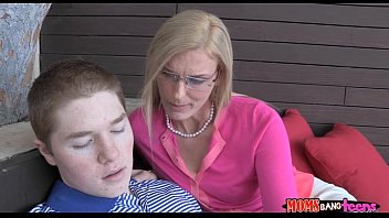 hiary milf boy Amateur esiisabelle caught in tub cogswell